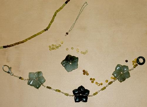 Jade and Garnet Slave Bracelet